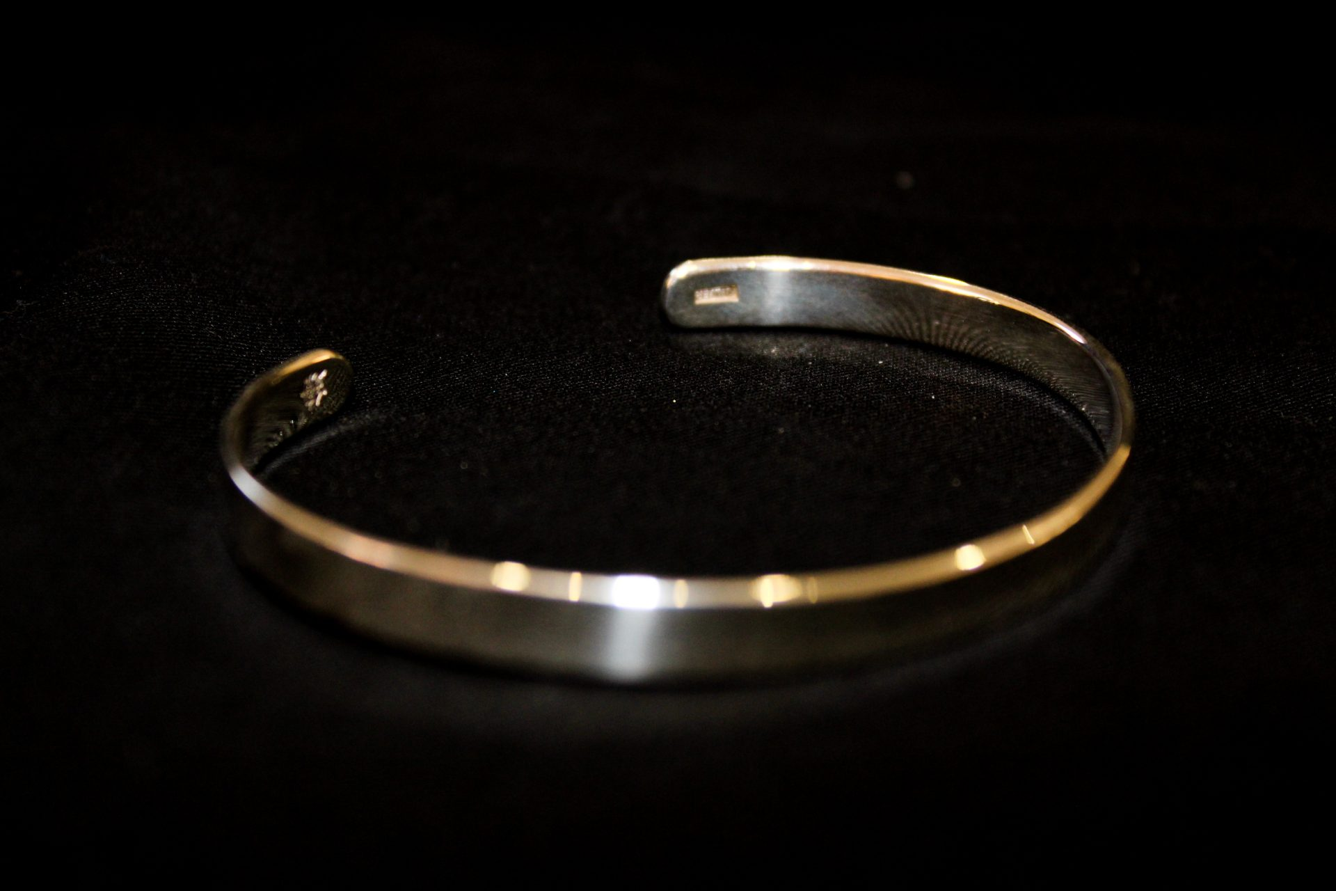 Sterling Silver | Smooth Silver Bangle